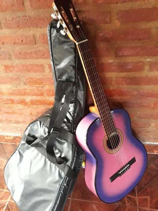 Vendo Esta Guitarra Criolla 3800watsap