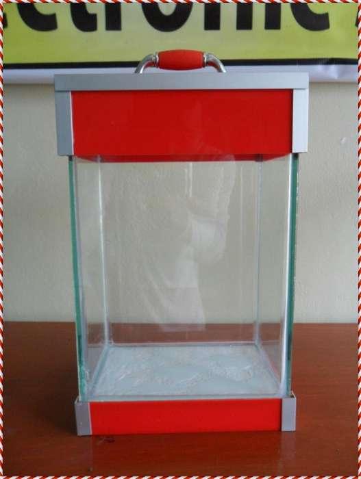 Pecera Acuario Bettas de 5.9 litros de capacidad Acrilico Rojo Envios
