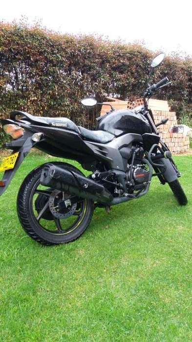 Vendo Moto Honda Invicta