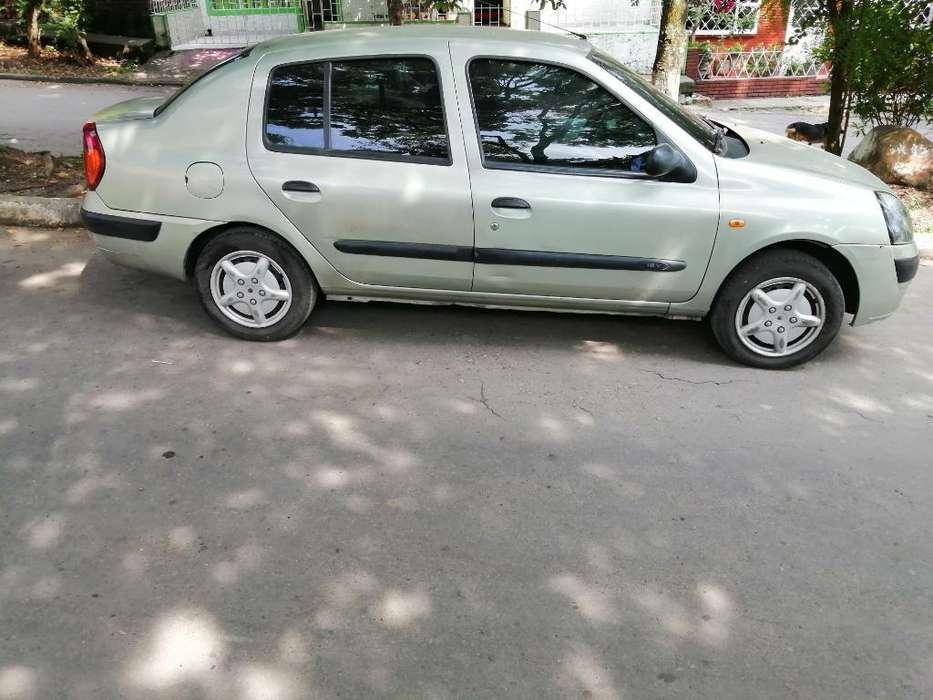Renault Symbol 2004 - 210000 km