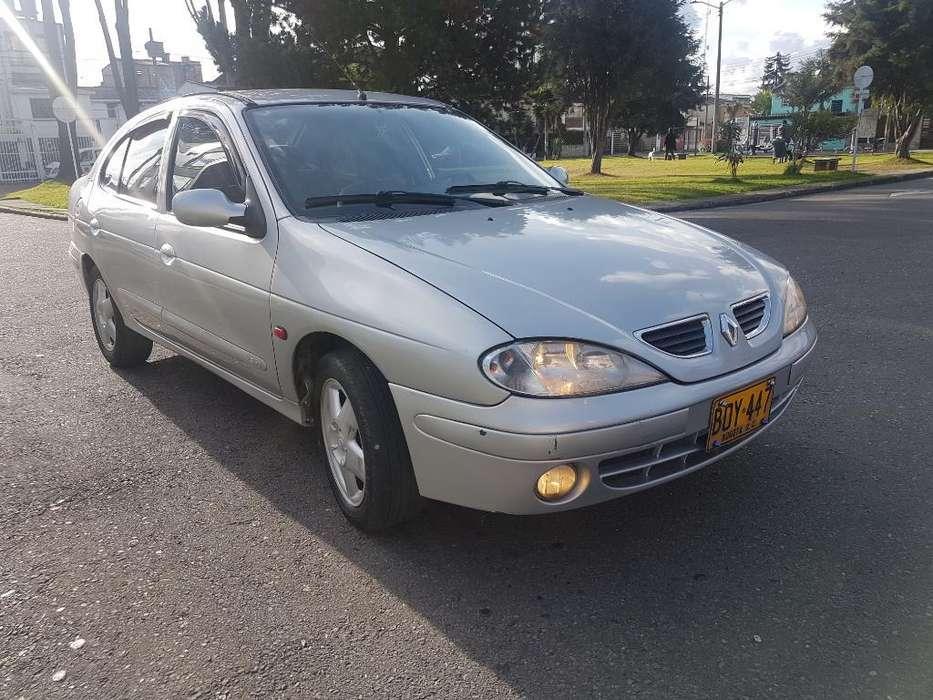 Renault Megane  2005 - 123456789 km