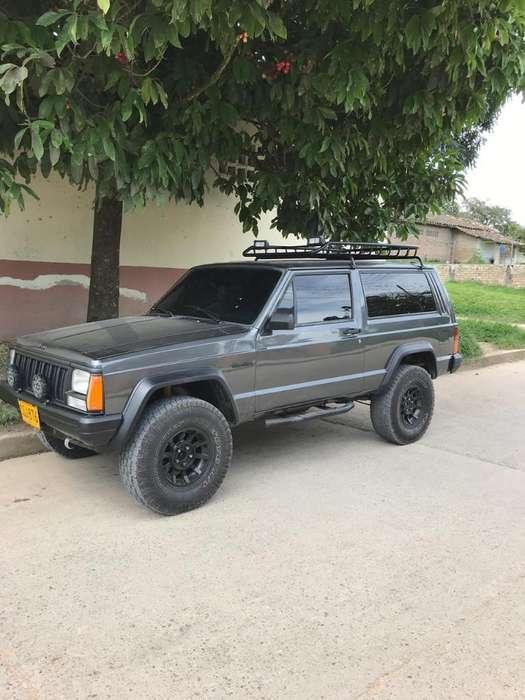 JEEP Cherokee 1996 - 235000 km