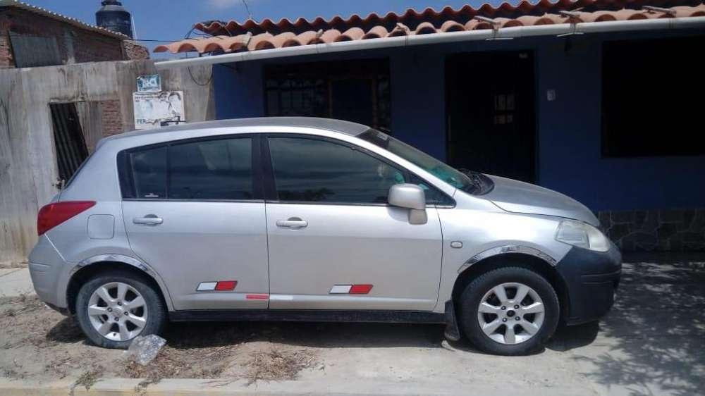 Nissan Tiida 2011 - 80000 km