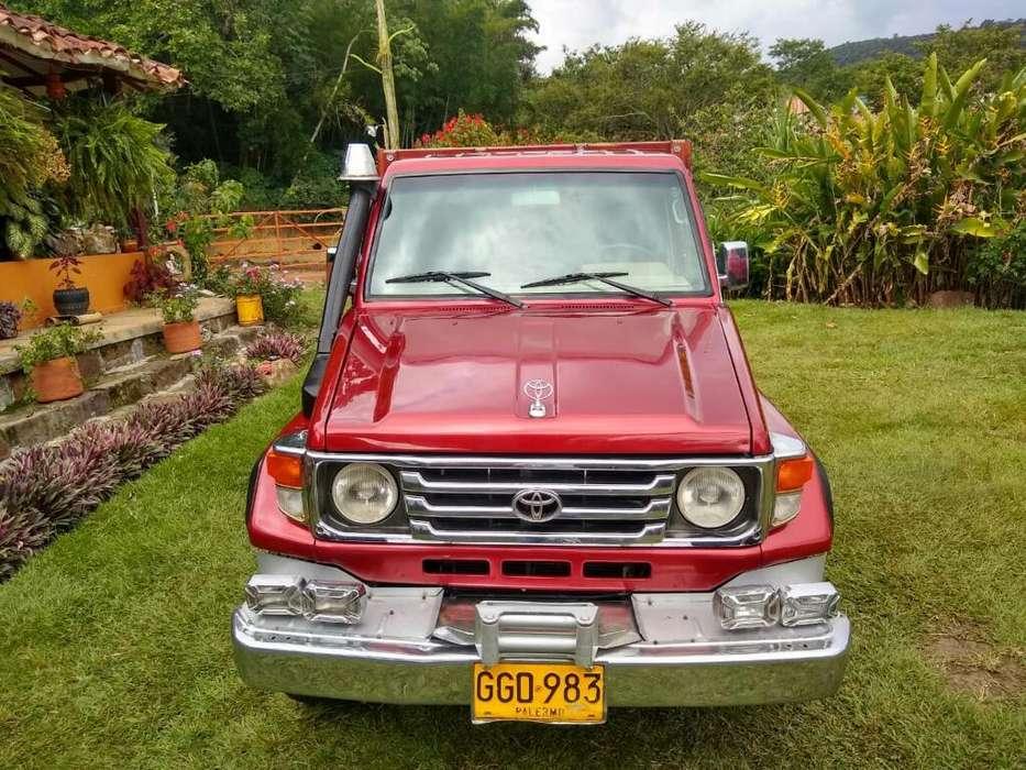 Toyota Land Cruiser 2007 - 210000 km