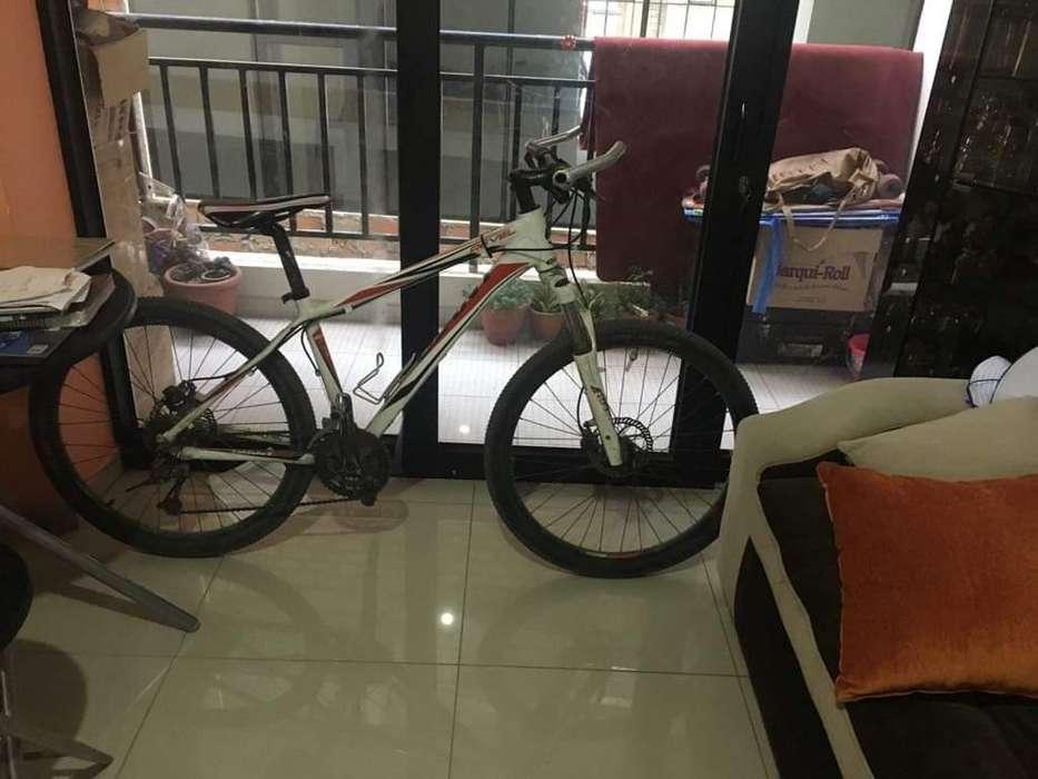Vendo Bicicleta Giant Revel2 Aro26