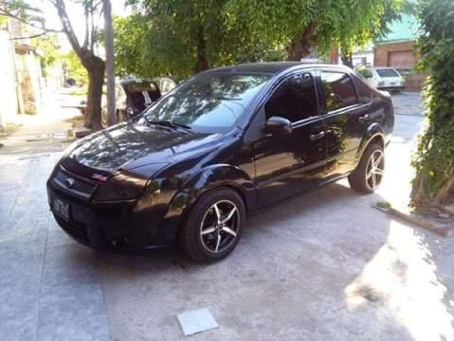 Ford Fiesta  2009 - 200000 km