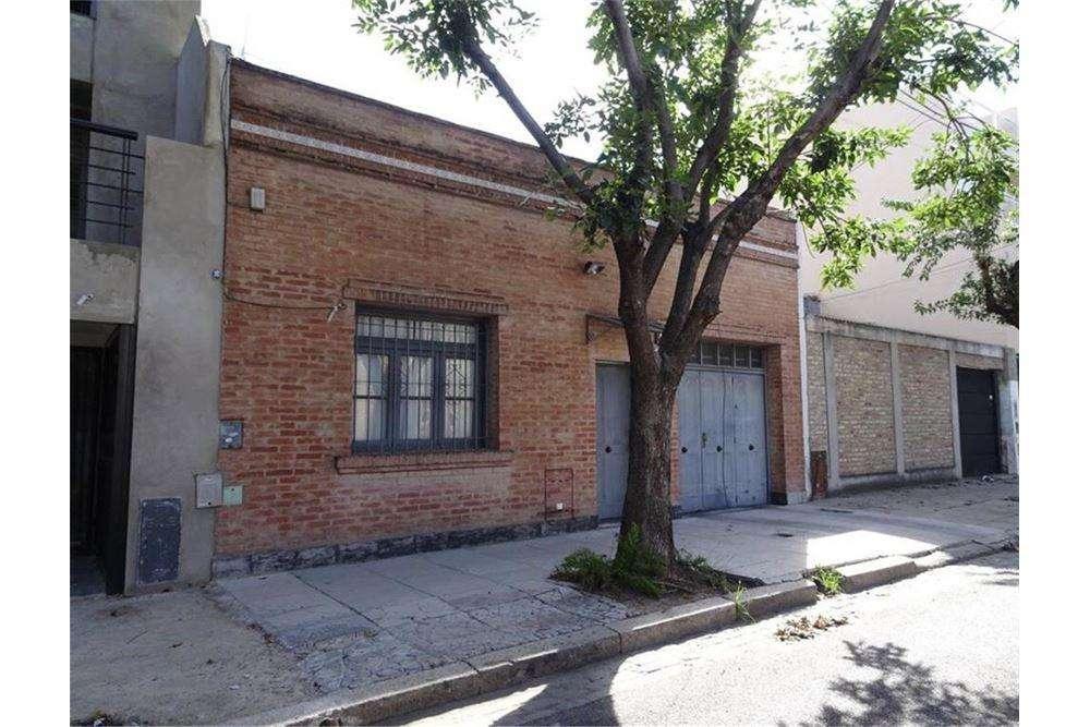 Excelente lote en el barrio de Liniers.
