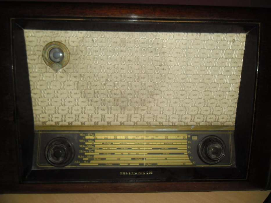 Radio Telefunken type 6654 WK (ALEMAN) AÑOS 50