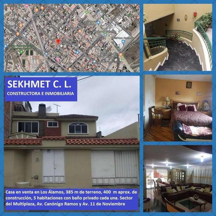 Casa en venta en los Álamos, a una cuadra de la Av. Canónigo Ramos, sector Multiplaza
