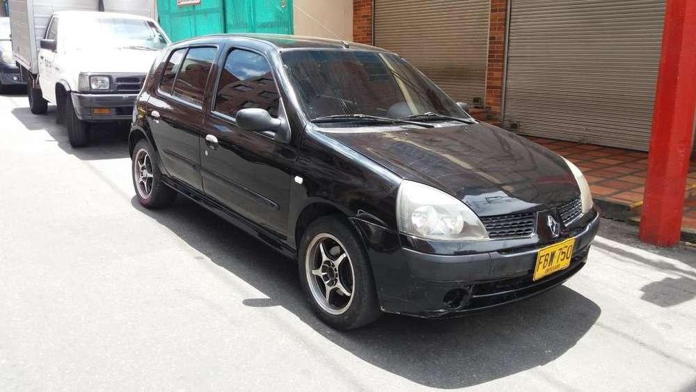 Renault Clio  2006 - 190000 km
