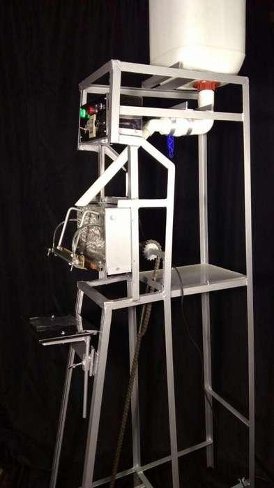 Maquina selladora vertical con tanque sello de 6 milímetros, temporizada de impulso.