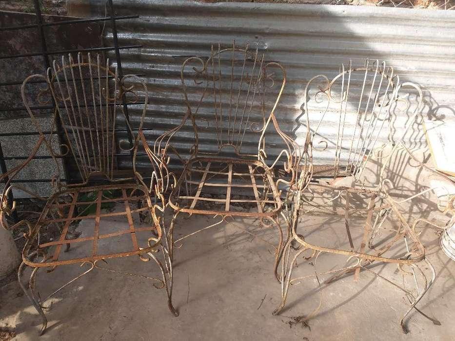Vendo 3 <strong>sillas</strong> de Hierro