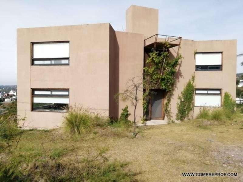 Casa 3 dormitorios en VENTA en Córdoba Cinco Lomas