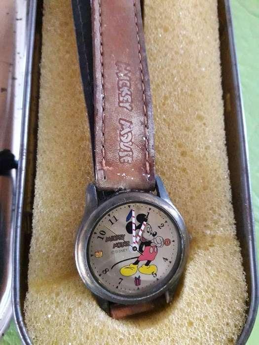 Reloy de Mickey Andando ,mas de 30 Años