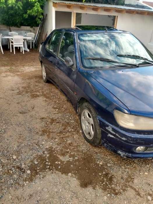 Peugeot 306 2000 - 180 km