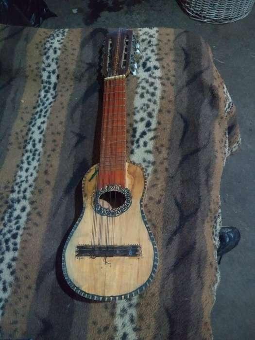 Vendo Charango