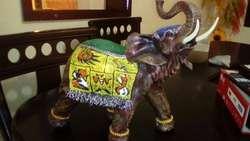 Elegante Elefante para Tu Hogar