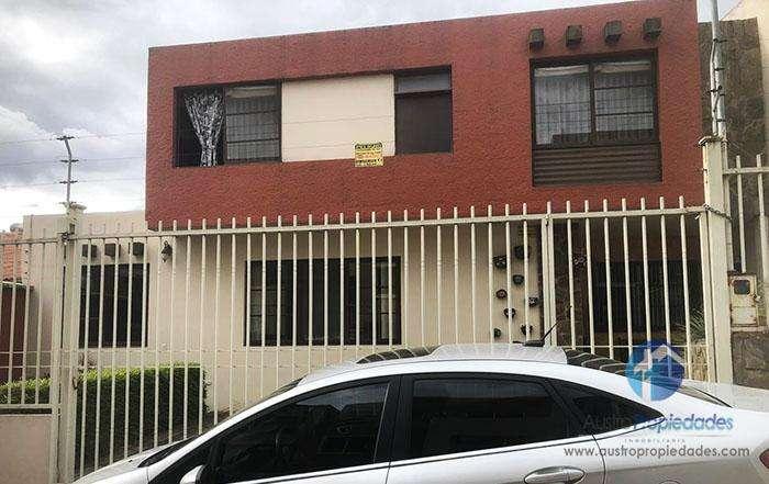 Casa en Venta sector Colegio Santa Ana / Racar Plaza
