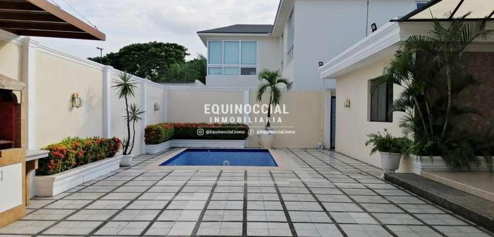 Alquiler de casa en Urb. Biblos km 2.5 Samborondon, con piscina