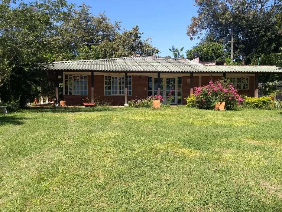 Casa campestre en Guacari parcelacion la Isla