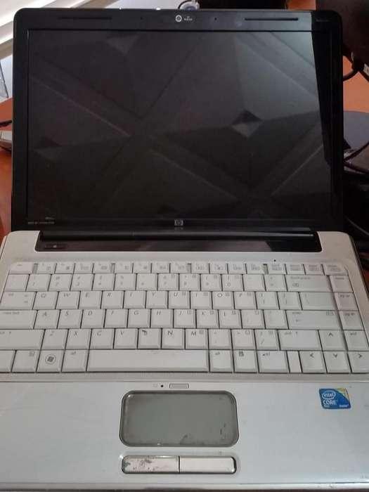 Laptop HP Blanca Usada