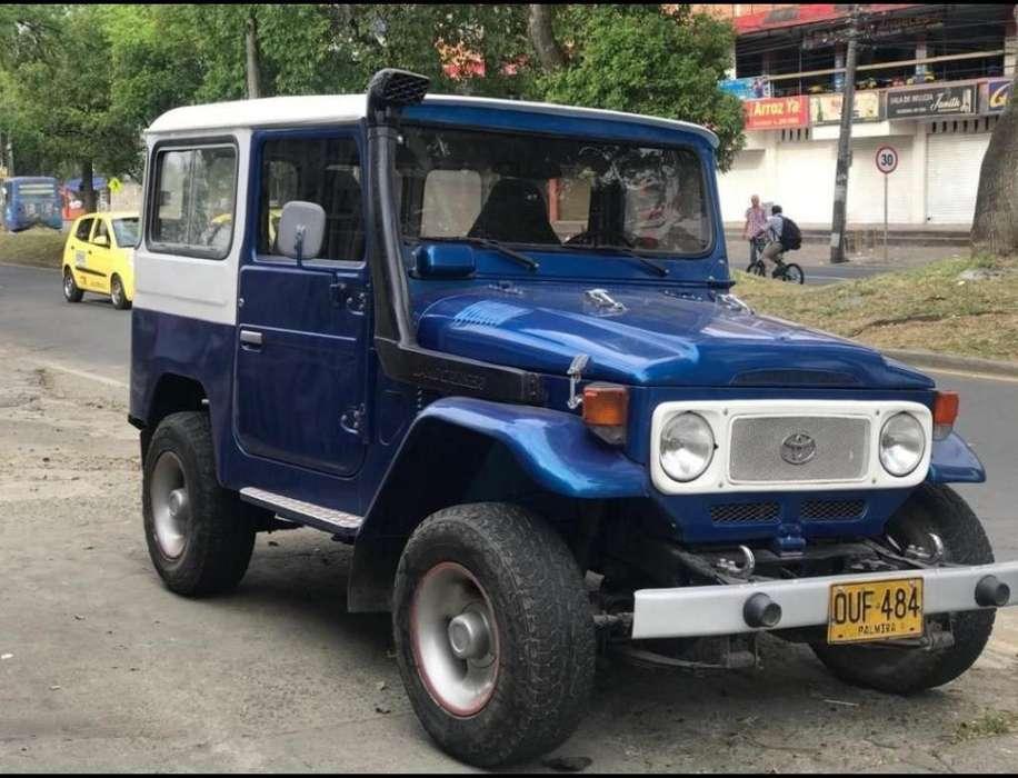 Toyota FJ Cruiser 1978 - 150000 km
