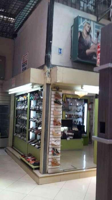 Se vende dos locales comerciales esquineros La Bahia