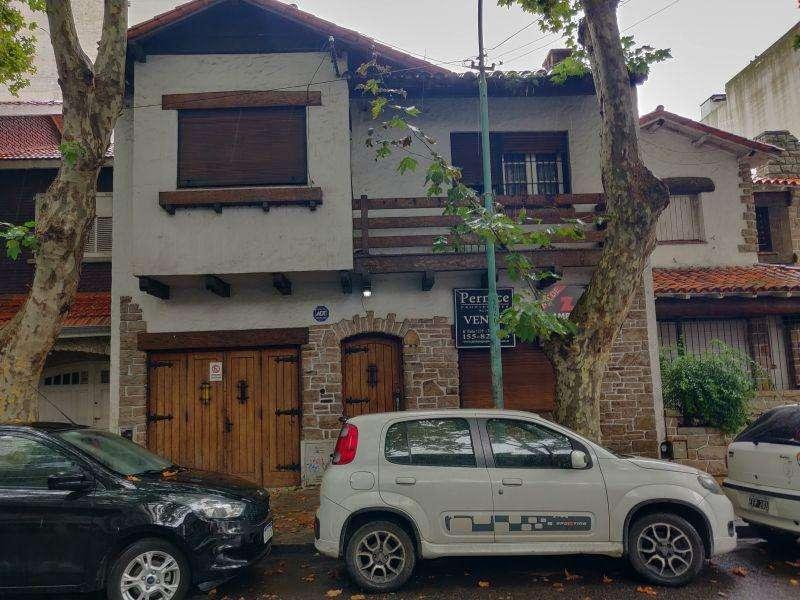 Casa en Venta en Plaza mitre, Mar del plata US 220000
