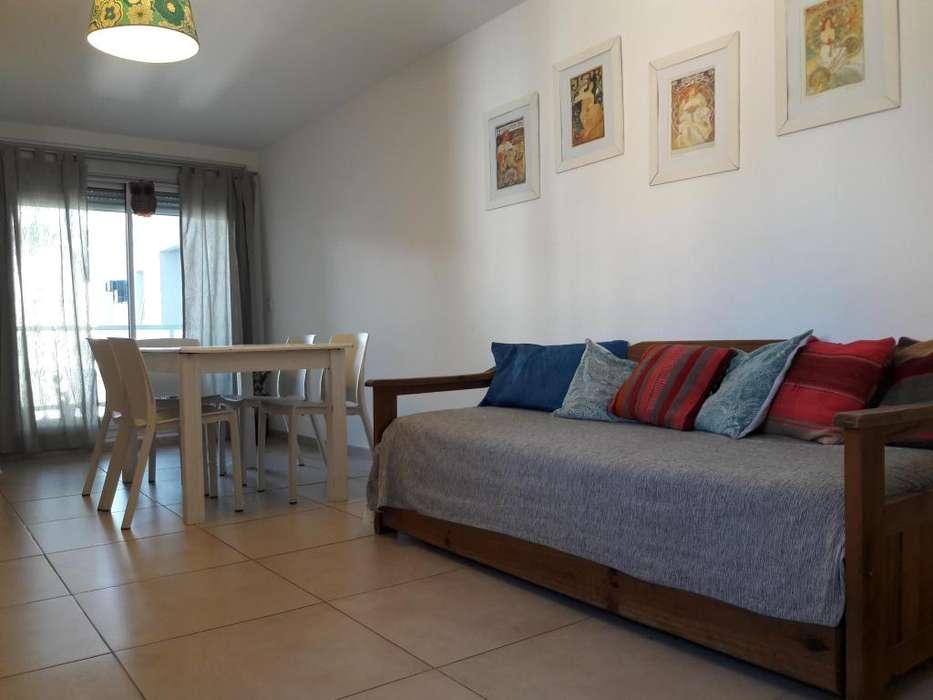 Departamento 2 dormitorios para 5 con estacionamiento y balcón