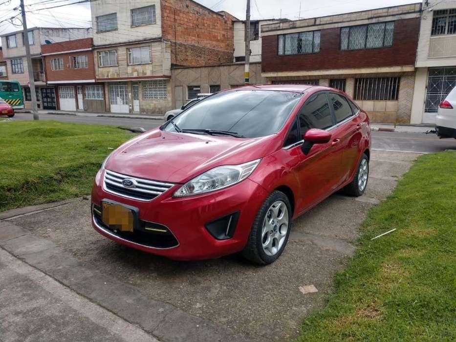 Ford Fiesta  2012 - 71800 km