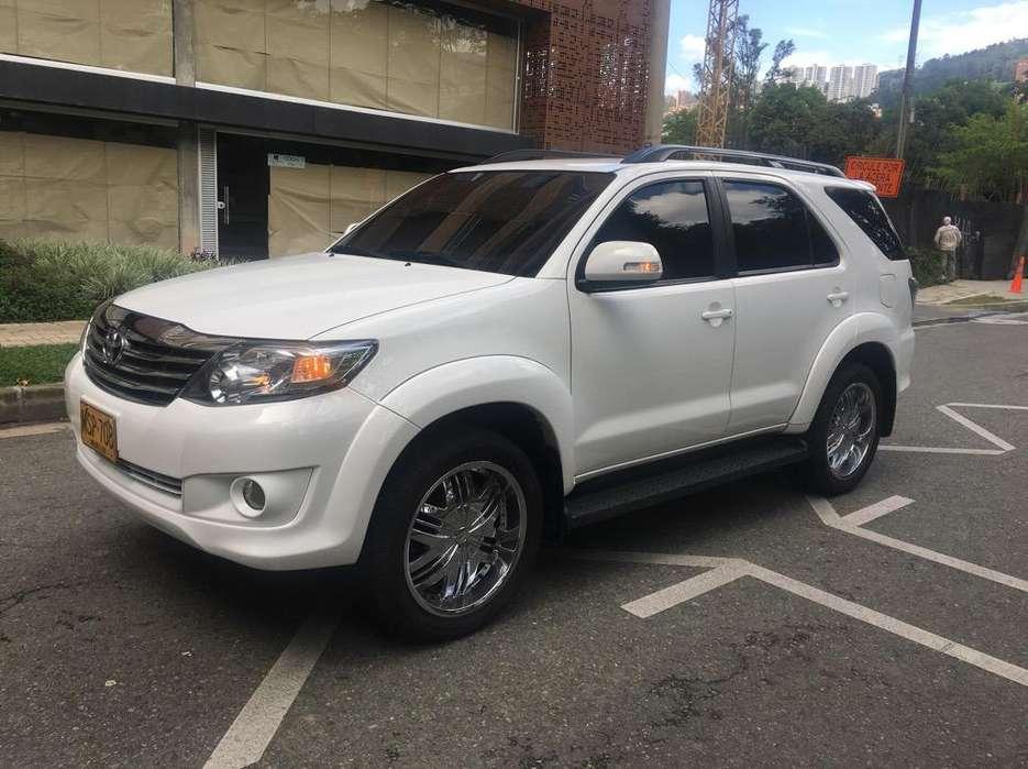 Toyota Fortuner 2013 - 38000 km