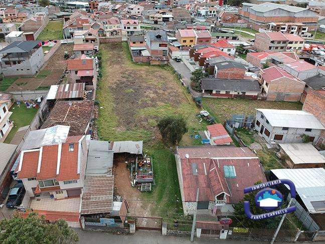 Terreno de 3.000m2 en venta ideal para lotizar en la ave. Loja - Cuenca - Ecuador