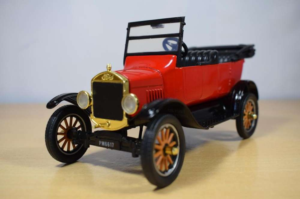AUTO CLASICO FORD MODEL T TOURING 1925