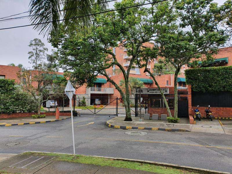 Casa Condominio En Venta En Cali <strong>ciudad</strong> Jardín Cod. VBSBI11680