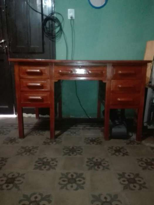 Vendo <strong>escritorio</strong> Luis Xv