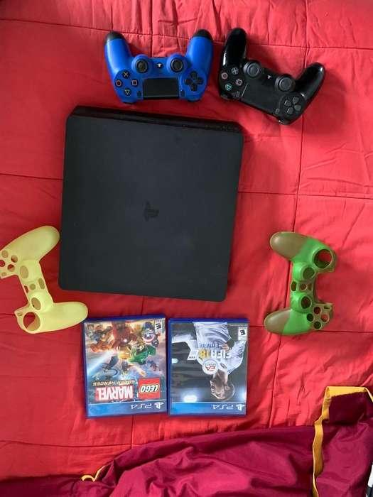 Play 4 Dos Controlesy 2 Juegos