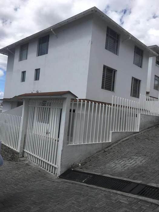 Hermosa Casa en Urbanizacion