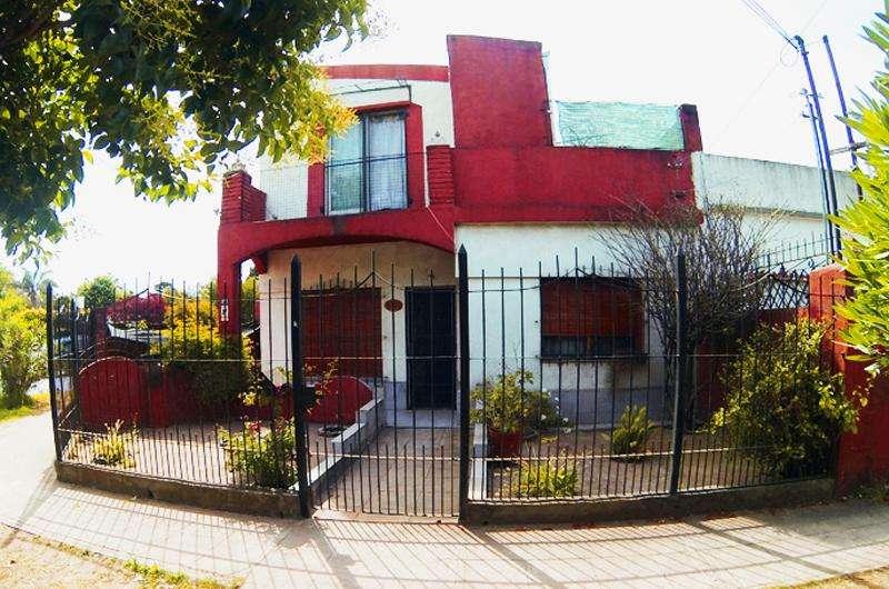 Vendo Casa multifamiliar en Ituzaingo Dueño Directo.