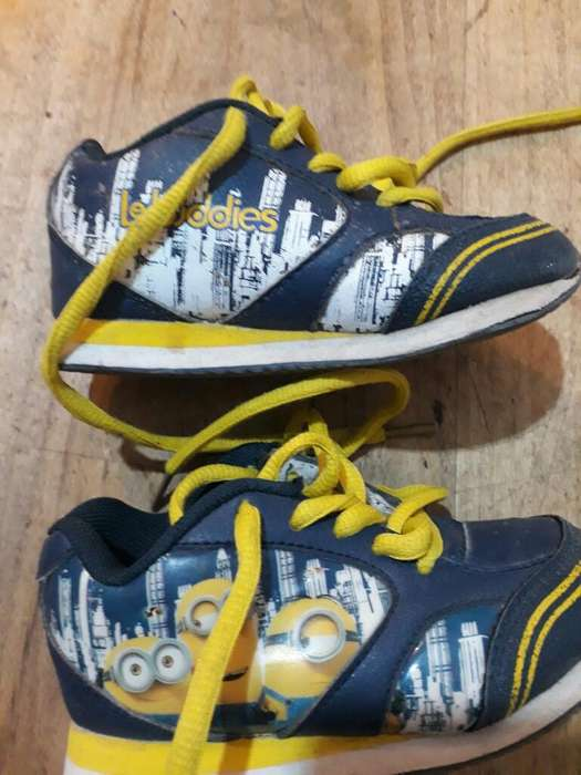 Vendo Zapatillas de Niño