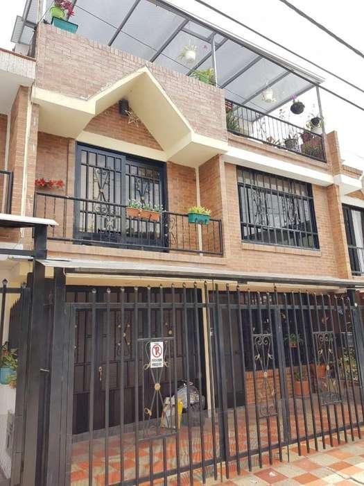 CASA GRANDE EN SECTOR CÁLIDO, SEGURO Y TRANQUILO