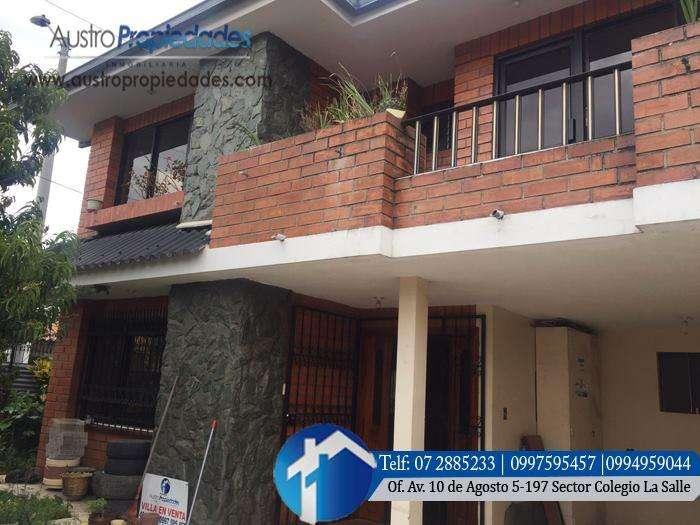 Casa en Venta en Cuenca sector ETAPA Avenida Diez de Agosto