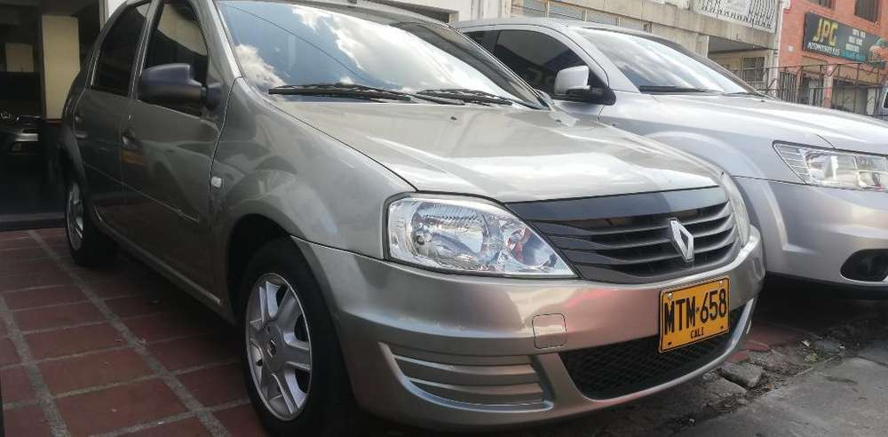 Renault Logan 2013 - 130000 km
