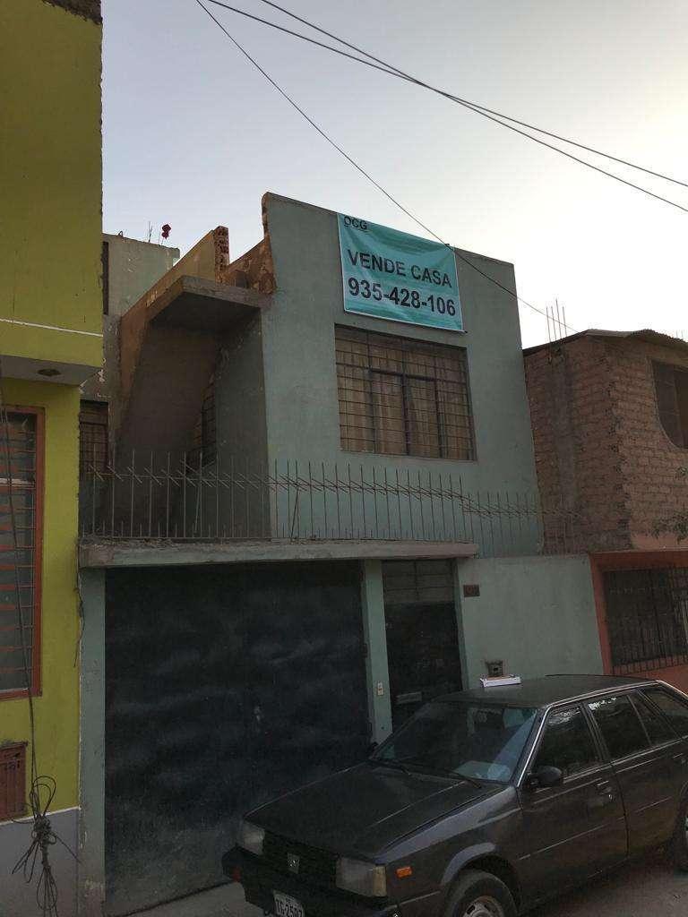 Venta De Casa De Dos Pisos Mas Terraza En Sjl