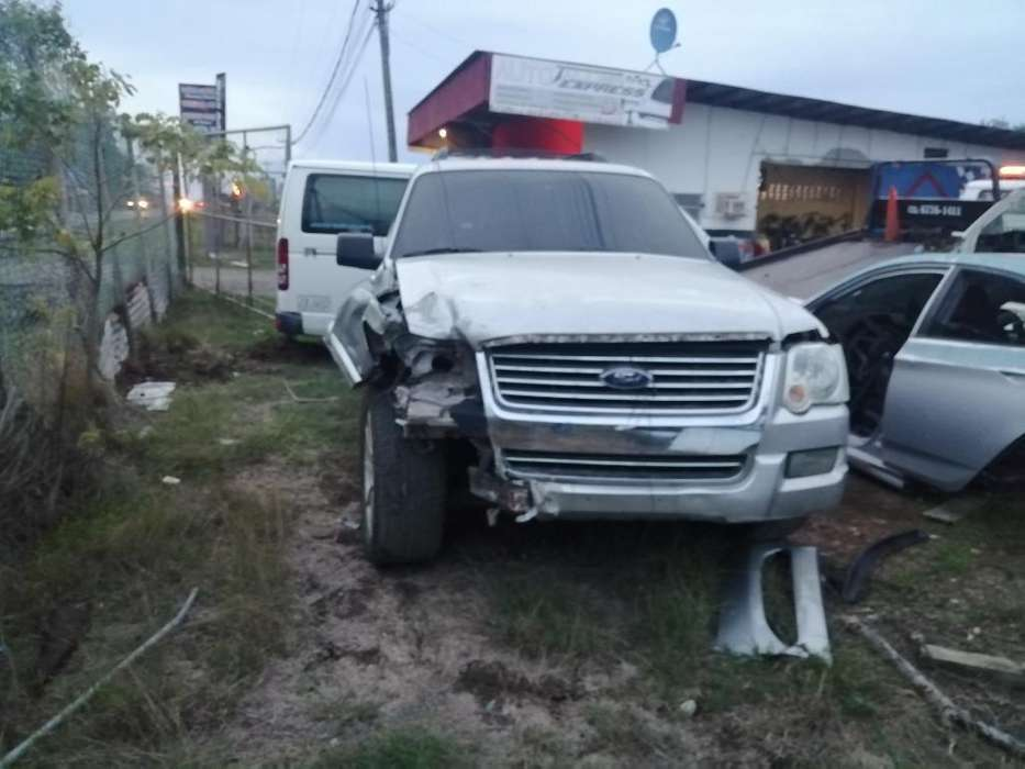 Ford Explorer por Piezza