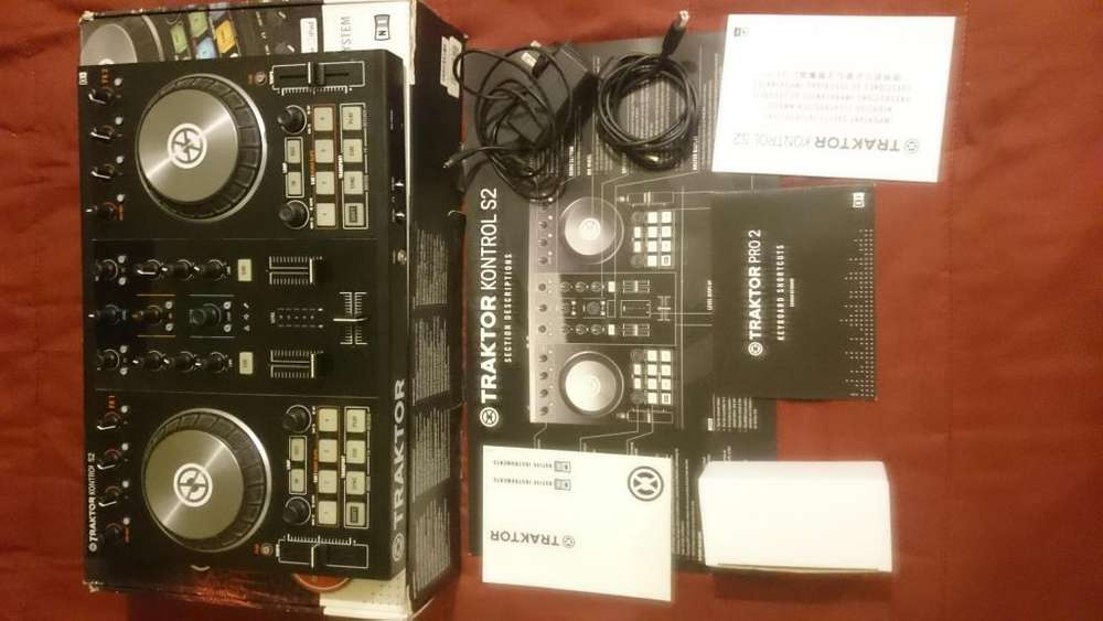 Vendo Consola de Dj Traktor Kontrol s2 Mk2