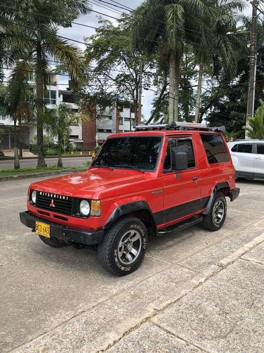 Mitsubishi Montero 1993 - 180000 km