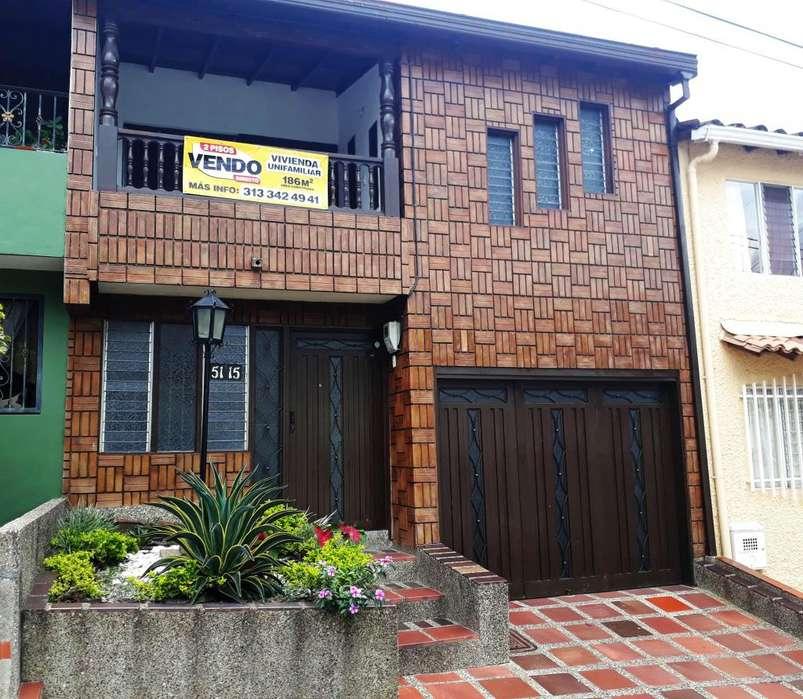 Venta CASA GRANDE en COPACABANA - Barrio El Remanso