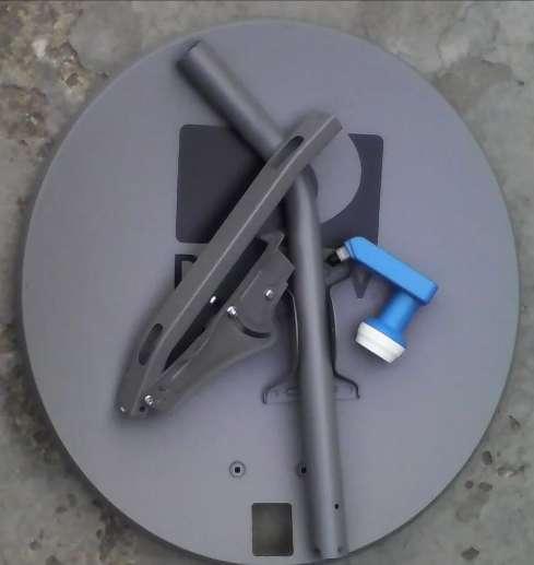 Se venden y se instalan antenas de DIREC TV con materiales si se requiere