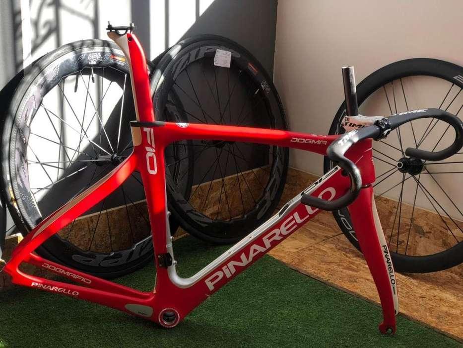 marco para bicicleta de ruta en fibra de carbono