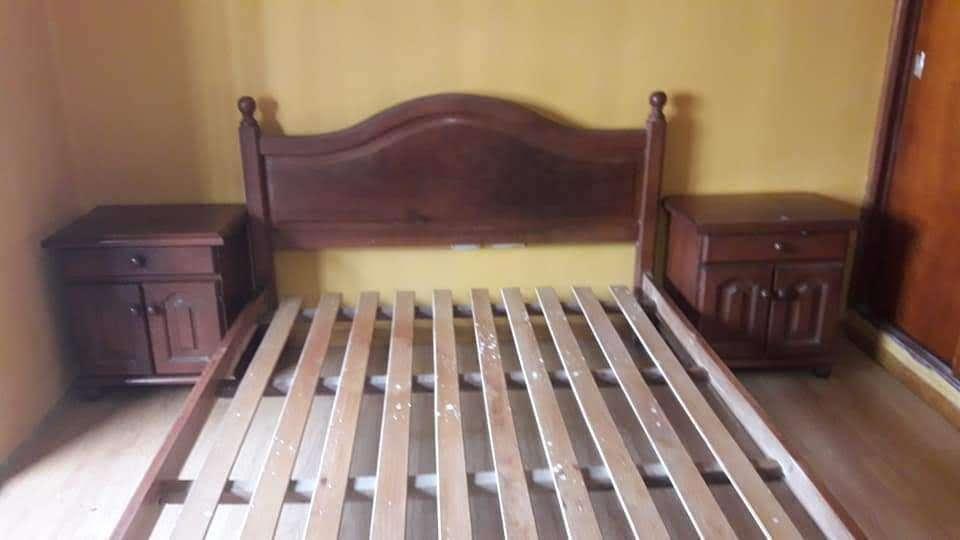Juego De <strong>dormitorio</strong> (cama, Cómoda, Mesas De Luz, Espejo)